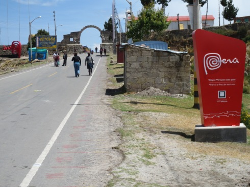 Walking over the border from Peru to Bolivia