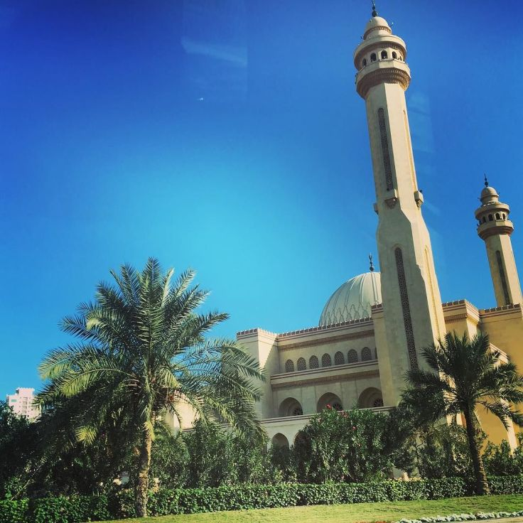 beautiful_day_for_spotting_some_of_the_key_sites_of__bahrain-_this_is_the_stunning__grandmosque-_look_forward_to_exploring_tomorrow-1